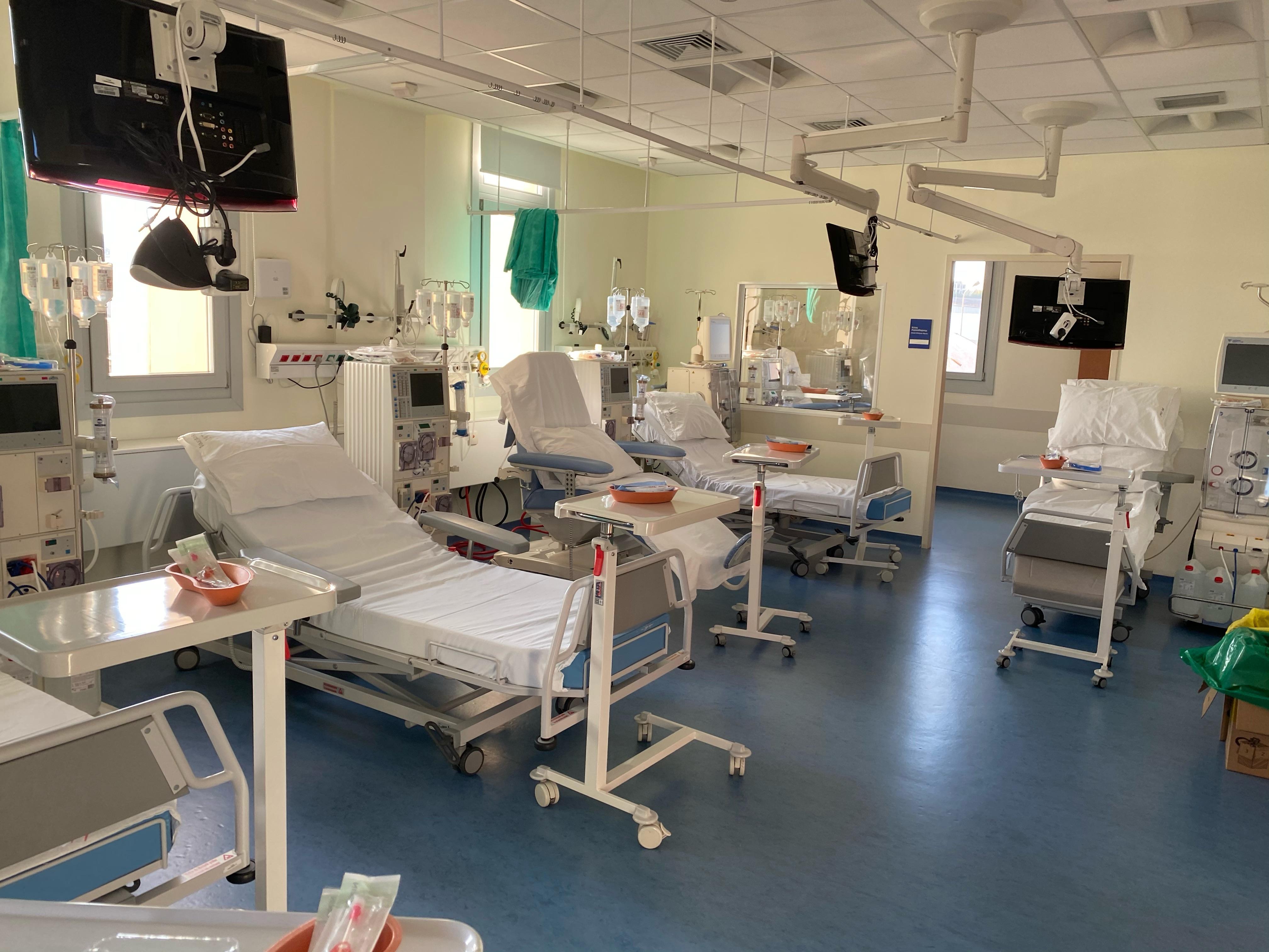 Δωρεά τριών ολοκληρωμένων μονάδων αιμοκάθαρσης της SEAJETS στο Γενικό Nοσοκομείο Θήρας.