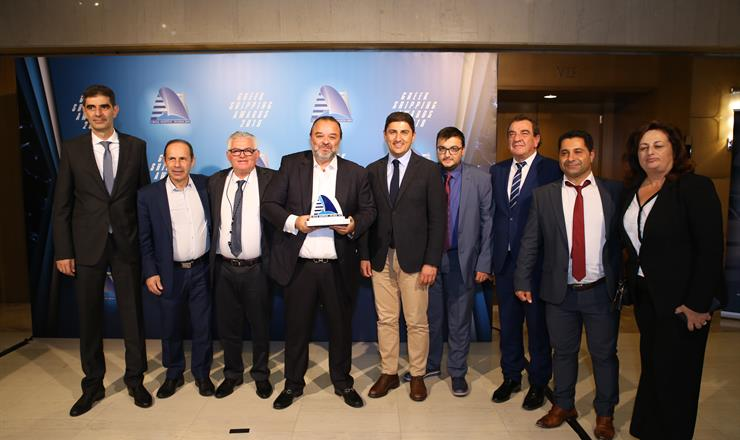 "SEAJETS' WORLDCHAMPION JET wins the ""Ship of the year 2019""  At the Lloyd's List Greek Shipping Awards 2019"